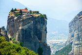 Meteora. famoso mosteiro cristão grego sobre a rocha. grécia — Fotografia Stock