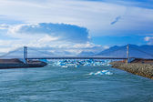 Strait to the bridge Jokulsarlon glacial lagoon — Stok fotoğraf