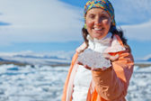 Woman with ice — Stockfoto