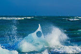 An Iceberg Being Broken By The Waves — Stockfoto