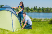настройка пара в палатке — Стоковое фото