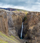 Hengifoss waterfall in Iceland — Stock fotografie