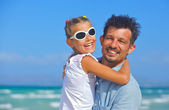 Father with daughter beach — Stock Photo