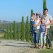Happy family in Tuscan — Stockfoto