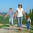 Happy family in Tuscan — Lizenzfreies Foto