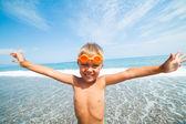Menino na praia — Fotografia Stock