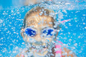 подводная девочка — Стоковое фото