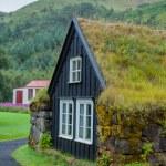 Traditional icelandic house — Stock Photo