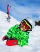 фото юный лыжник — Стоковое фото