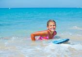 Férias de verão - surfista. — Fotografia Stock