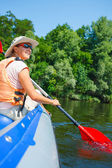 Femme kayak — Photo