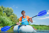 Hombre kayak — Foto de Stock