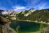 Soiernsee lake en uitzicht op schottelkarspitze — Stockfoto