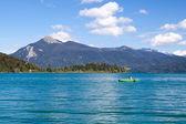 Fischer auf alpine walchensee — Stockfoto