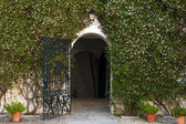 Charming entrance to Spanish house — Stock Photo