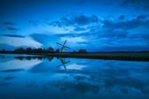 Dutch windmill and clouds in dusk — Foto de Stock