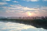 Beautiful sunrise over river — 图库照片