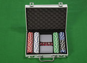 Poker chips and cards in a briefcase — Photo