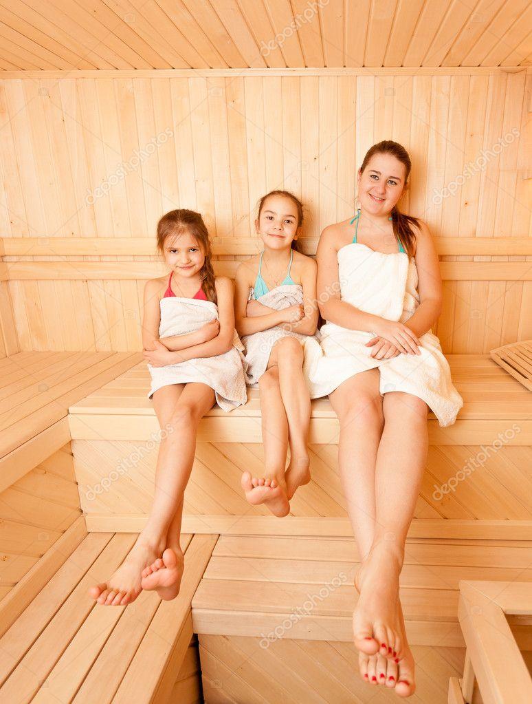 Фото мамаш с детьми в бане