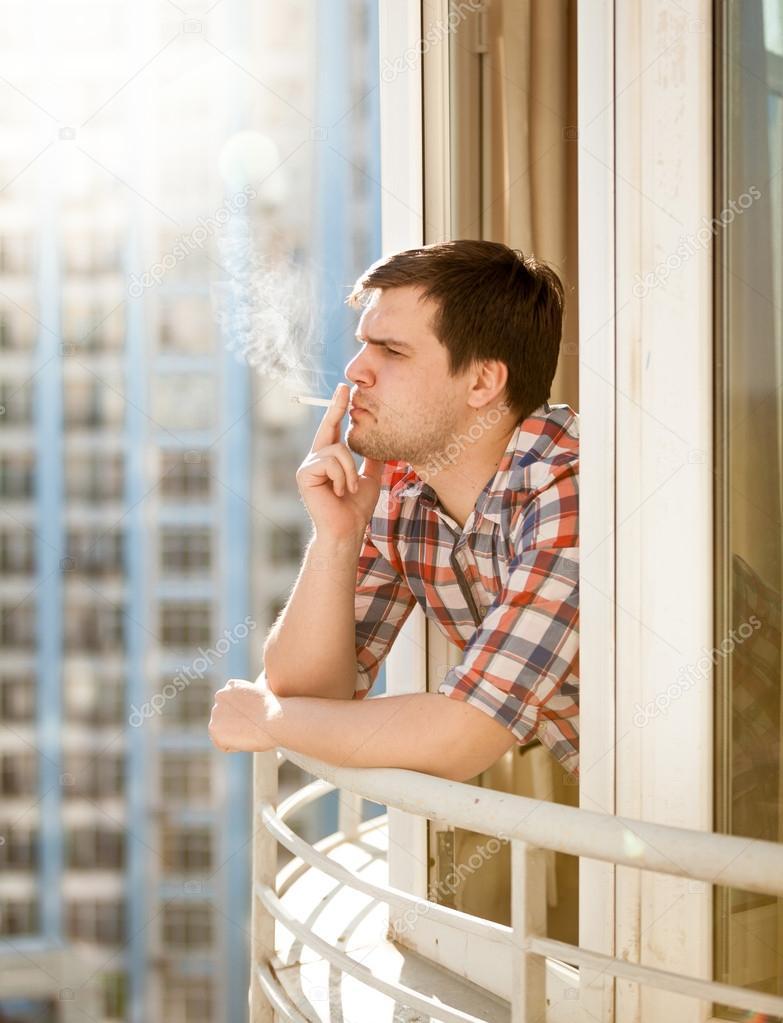 Что делать с курением на балконе? - навигатор престиж.