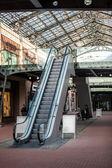 Escalator at shopping mall — Stock Photo