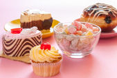 Various tasty sweet dessert — 图库照片