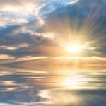 Beautiful sunrise over sea — Stock Photo #21493279