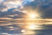 Beautiful sunrise over sea — Stock Photo