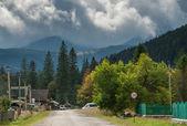 Straße in einem kleinen Dorf — Stockfoto