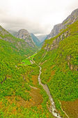 Verdant Mountain Valley in Norway — Stock Photo
