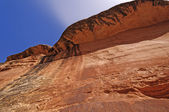 Red Cliff in a desert canyon — Stock Photo