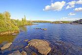Lugnt vatten i kanot land — Stockfoto