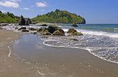 Sunny Day on an Ocean Beach — Stock Photo