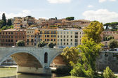 Rome Tiber River waterfront, views of the residential developmen — Stock Photo