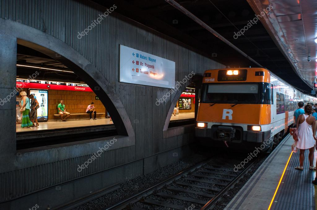 Barcelona metro — Stock Photo #13443312