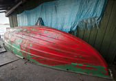 Old rowing fishing boat under renovation — Stock Photo