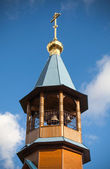 Kopule s kříž malý dřevěný pravoslavné církve — Stock fotografie