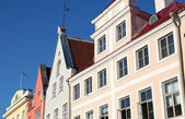 Street fragment of Old Tallinn with colorful buildings facades — Stock Photo