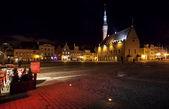 Illuminated town hall in old Tallinn at night — Stock Photo