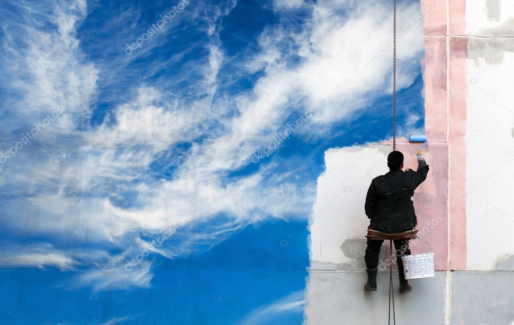 peintre peint bleu ciel sur le mur urbain photographie eugenesergeev 32384123. Black Bedroom Furniture Sets. Home Design Ideas