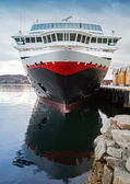 Front view of moored big modern passenger cruise ship — Stockfoto