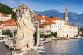 Ancient stone lion statue in Perast town, Bay of Kotor, Montenegro — Stock Photo