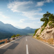 Mountain highway with dividing line in Montenegro — Stock Photo
