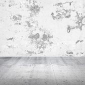 Abstrato vazio interior branco com muro de concreto danificado — Foto Stock