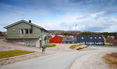 Quiet street in Norwegian countryside. Rorvik town — Stock Photo