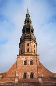 Facade of Saint Peter's Church in Riga historical center, Latvia — Foto Stock