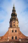 Facade of Saint Peter's Church in Riga historical center, Latvia — Photo