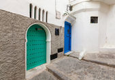 Street fragment in old Medina. Historical central part of Tangier, Morocco — Stock Photo