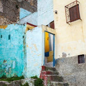 Colorful house fragment in old Medina, historical part of Tangier city, Morocco — Stock Photo