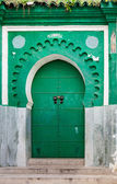 Green gate of ancient mosque in Medina. Tangier, Morocco — Stock Photo